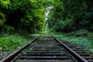 railroad_track